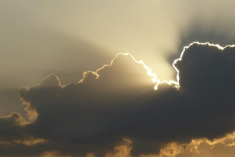 cloud-1902787_1920